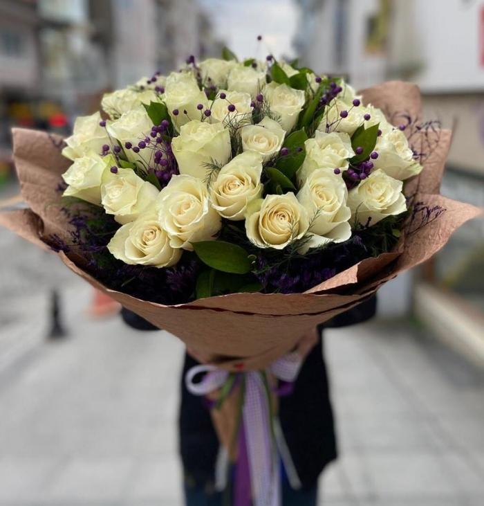 İthal Beyaz Güller